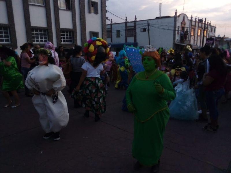 Desfile de Mojiganga