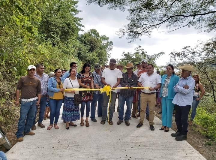 """Inauguración de la obra de pavimentación de acceso a la localidad del """"Ocotal"""""""